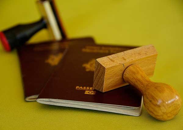 Renovación o modificacion de la autorización de residencia y trabajo en España