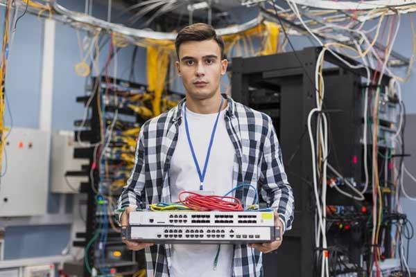 Requisitos para trabajar como Ingeniero Eléctrico